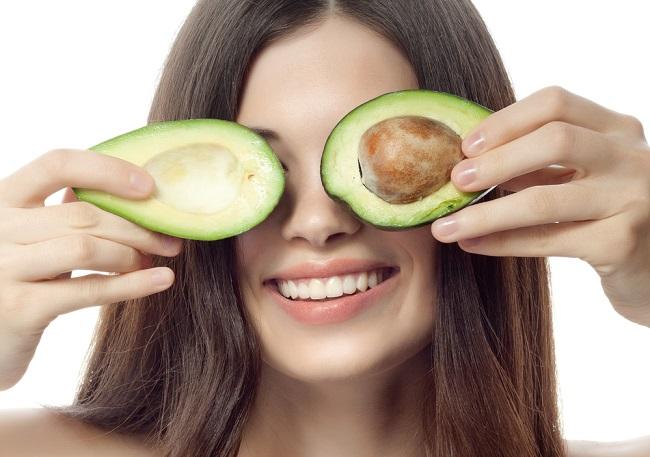 , Cómo tener el cabello hidratado gracias al aguacate, Alimenta y Cura