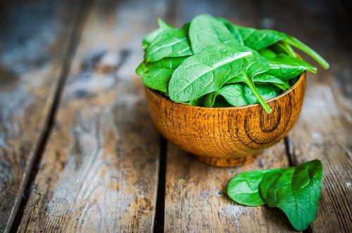 , Reduce los síntomas de la menopausia con estos alimentos, Alimenta y Cura