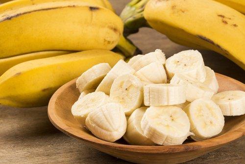 , Combate el insomnio tomando banana y canela una hora antes de dormir, Alimenta y Cura