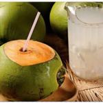 Atención: Cuando Bebes Agua de Coco con el Estomago vacío esto es lo que le sucede a tu cuerpo