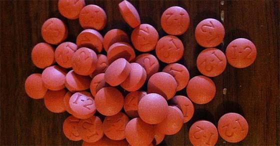 , Los médicos advierten a cualquier persona con más de 40 años dejar de tomar ibuprofeno inmediatamente. Este es el por qué, Alimenta y Cura