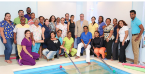 , Personal del CAID y otras instituciones reciben entrenamiento en terapia acuática, Alimenta y Cura