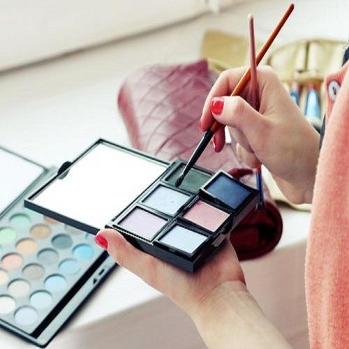 , Algunos cosméticos pueden poner en riesgo tu salud, Alimenta y Cura