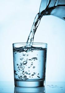 , Que le ocurre a tu cuerpo si tomas poca agua, Alimenta y Cura