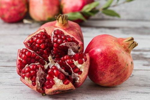 , 7 increíbles beneficios del jugo de granada, Alimenta y Cura, Alimenta y Cura