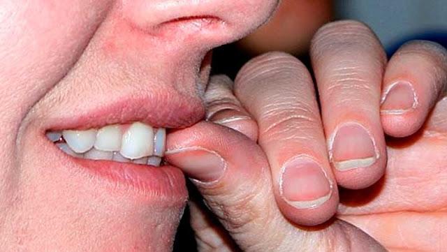 , ¿Porque es tan peligroso y perjudicial morderse las uñas?, Alimenta y Cura