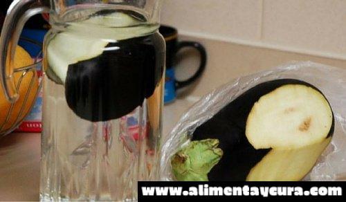 5 razones por las que consumir agua de berenjena con limón