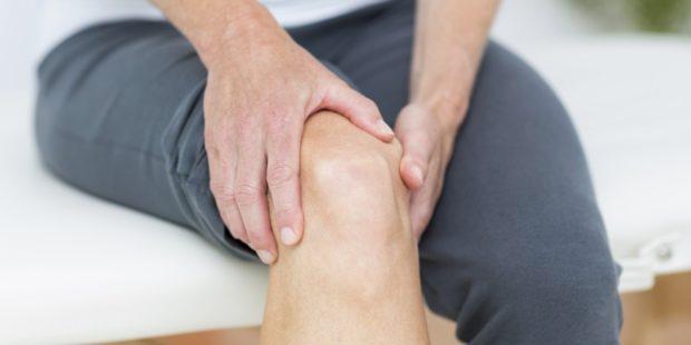 , Con 45 años de edad, esta persona eliminó su dolor de rodillas en 1 día. ¡Descubre como!, Alimenta y Cura
