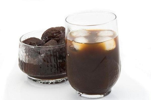 , Un vaso de estos jugos te hará vaciar el intestino en 30 minutos, Alimenta y Cura
