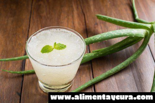 , Combate los síntomas de la gastritis con este simple remedio natural, Alimenta y Cura