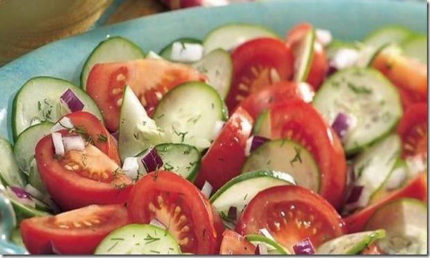 , Este es el motivo por el cual nunca debes comer tomates y pepinos en la misma ensalada., Alimenta y Cura, Alimenta y Cura