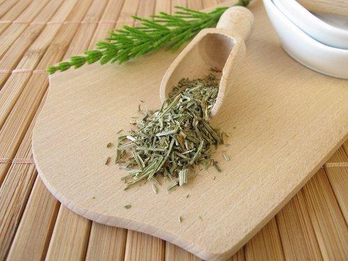 , Alivia las aftas bucales usando estos 6 remedios de origen natural, Alimenta y Cura, Alimenta y Cura