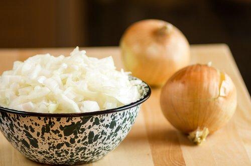 , Cómo extraer el jugo de la cebolla y cuáles son sus usos, Alimenta y Cura, Alimenta y Cura
