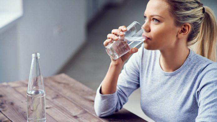 , 6 bebidas para combatir el dolor en los riñones, Alimenta y Cura