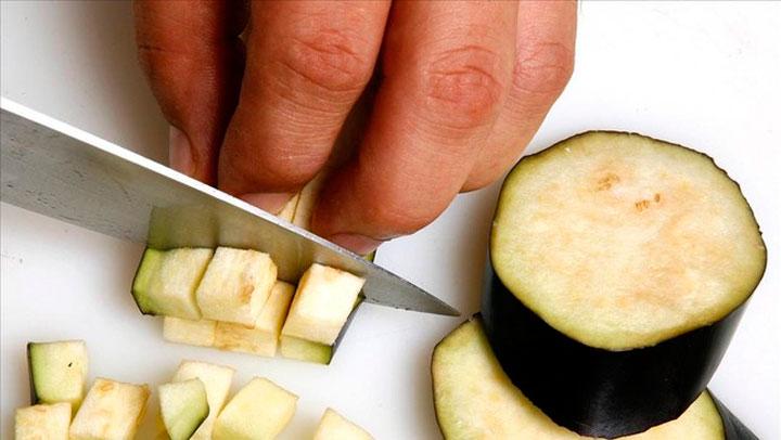 , Aquí te mostramos los 11 beneficios de la berenjena que probablemente desconocías., Alimenta y Cura, Alimenta y Cura