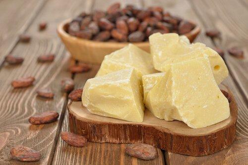 , ¡Los sorprendentes beneficios desconocidos de la manteca de cacao para la piel!, Alimenta y Cura, Alimenta y Cura