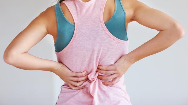 , Presiona estos 3 puntos y acaba con el dolor de espalda, Alimenta y Cura, Alimenta y Cura