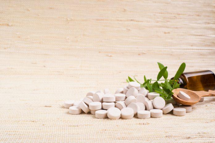 , Suplementos a base de hierbas y vitaminas para aliviar los síntomas de la menopausia, Alimenta y Cura