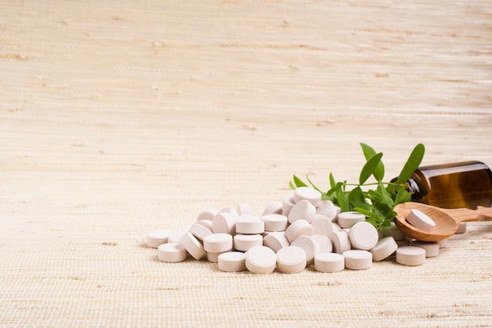 , Suplementos a base de hierbas y vitaminas para aliviar los síntomas de la menopausia, Alimenta y Cura, Alimenta y Cura