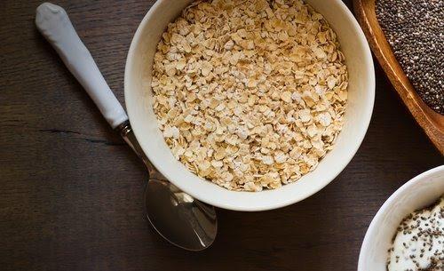 , ¿Sabes que desayunar?. Desayuna Avena y Chía para Bajar de peso saludablemente, Alimenta y Cura, Alimenta y Cura