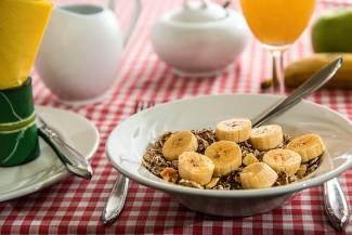 , Tomar dos raciones diarias de cereales integrales se asocia con una menor mortalidad, Alimenta y Cura