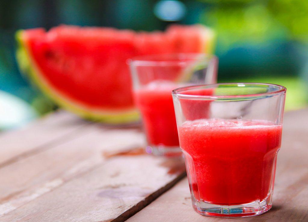 , Inicia enero con estas aguas saborizadas para mantenerte hidratada, Alimenta y Cura