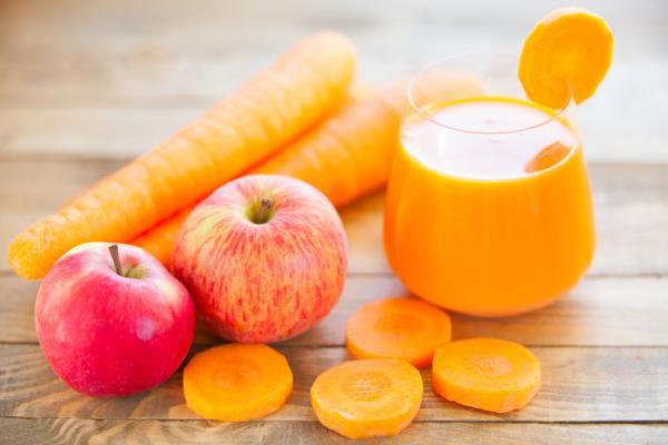 , Jugo de zanahoria y manzana para tener un abdomen plano, Alimenta y Cura