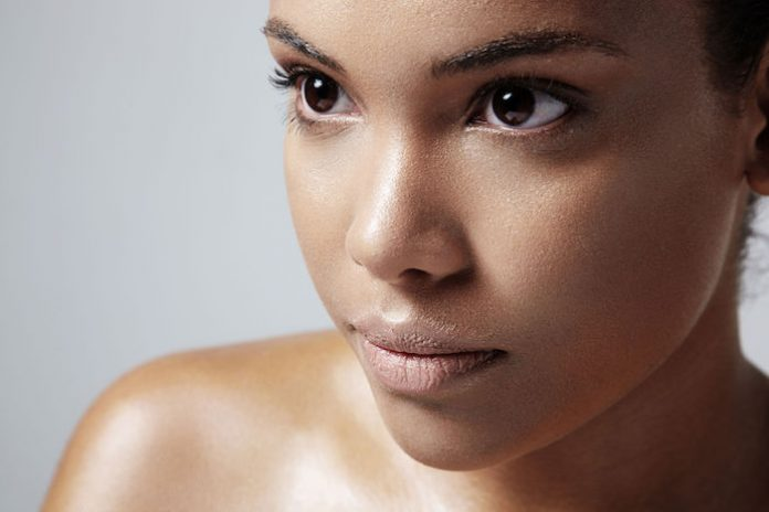 , Opciones actuales de tratamiento para el acné vulgar, Alimenta y Cura