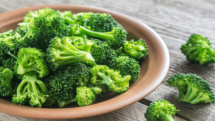, Estas son las razones más importantes por la que debes de comer brócoli todos los días., Alimenta y Cura, Alimenta y Cura