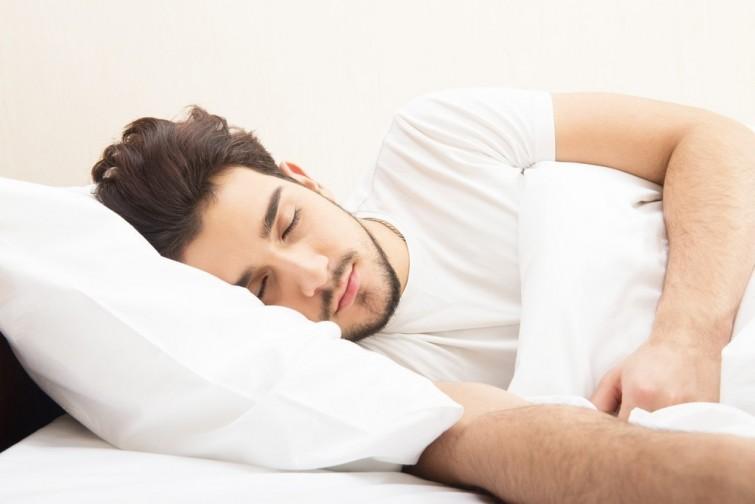 , Desarrollar la calidad del sueño: Haz este movimiento anteriormente de dormir y el sueño será tres veces más reparador, Alimenta y Cura