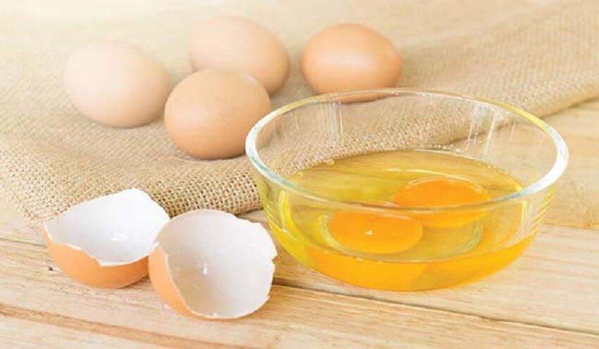 , 3 soluciones con huevo para rehidratar el pelo seco, Alimenta y Cura