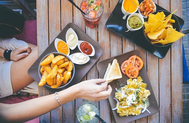 , ¿Qué son los aditivos alimentarios y para qué sirven?, Alimenta y Cura