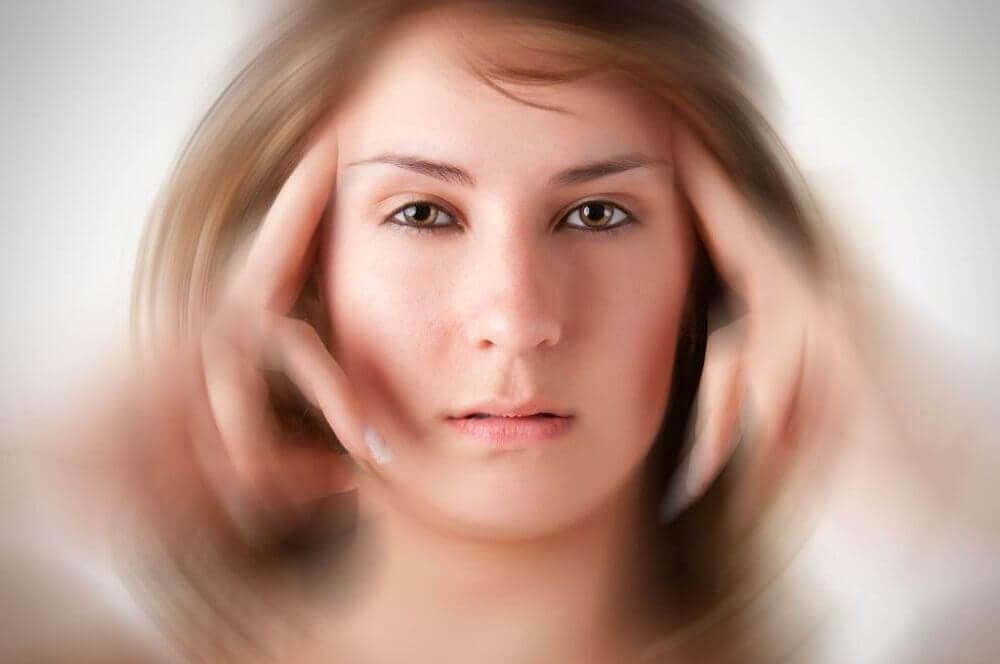 , 3 analgésicos naturales para calmar el intenso dolor de la migraña, Alimenta y Cura, Alimenta y Cura