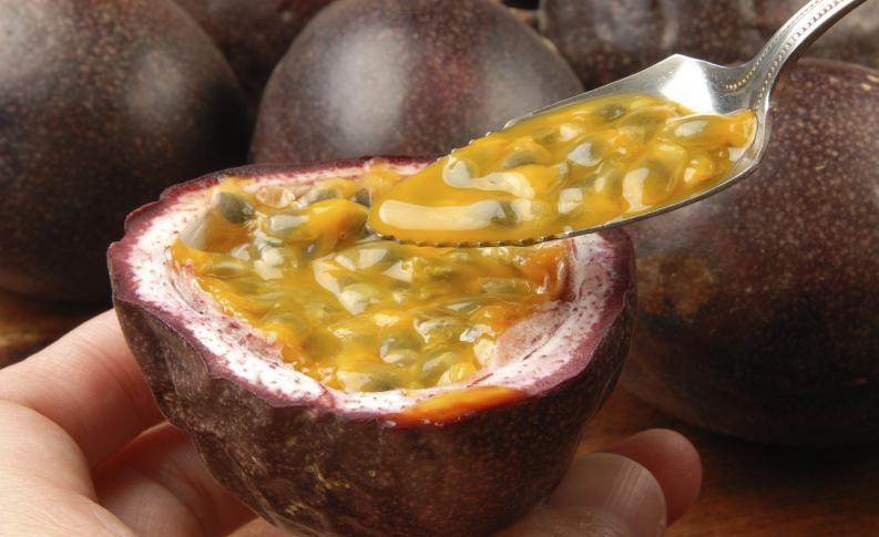 , Conoce la fruta de la pasión y sus beneficios ocultos para la salud., Alimenta y Cura
