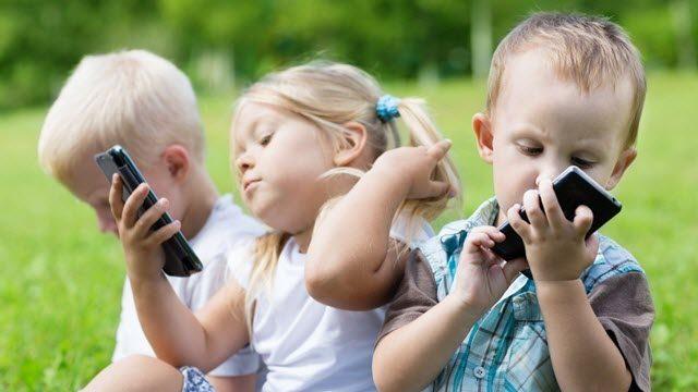 , Pasar menos de dos horas frente a un pantalla ayuda los niños a pensar mejor, Alimenta y Cura