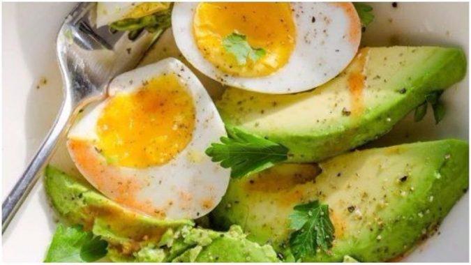 , 10 desayunos que aceleran el metabolismo y ayudan a perder peso, Alimenta y Cura
