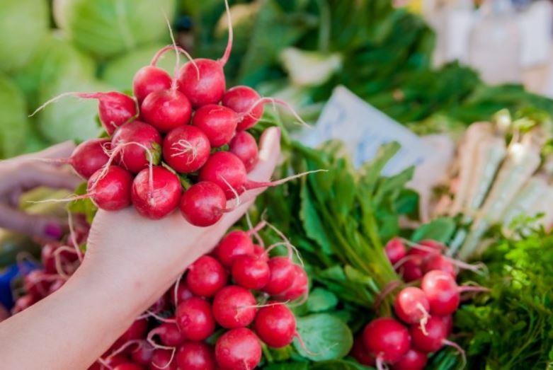 , Si quieres tener una silueta de infarto bebe este poderoso jugo rojo, Alimenta y Cura, Alimenta y Cura